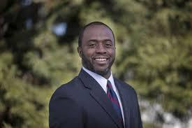 Headshot of Tony Thurmond